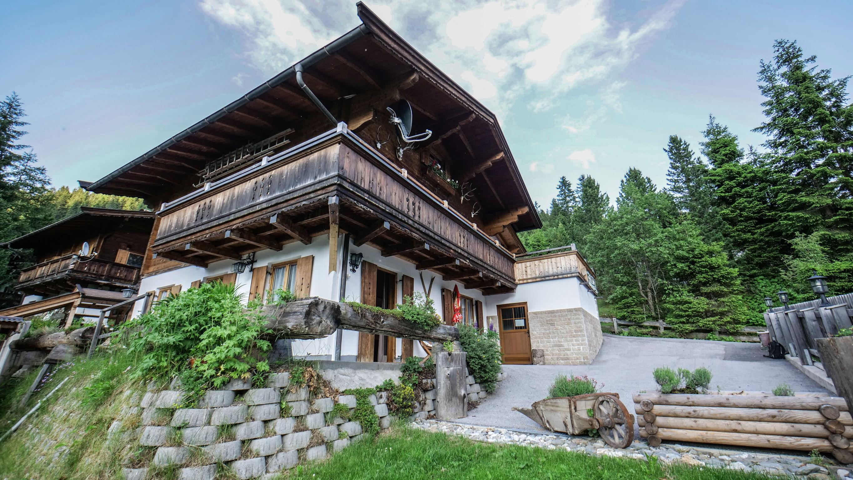 "Ski-& Wanderhütte ""Thaler-Hütte"""